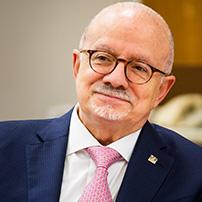 Dr. Eduardo J. Padron